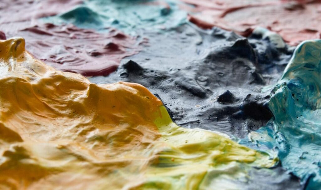 Acrylic or Oil Based Paints - Which One's the Best?